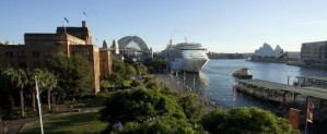 WP-Circular-Quay-with-cruise-ship-bridge-quays-and-Sydney-Opera-House-620x256