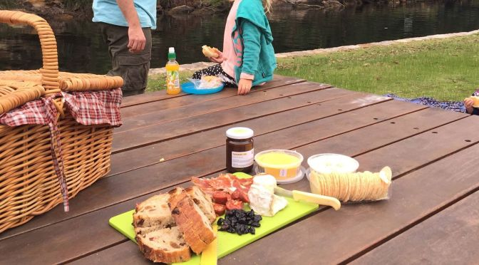 Top 10 tips: How to pack an easy picnic